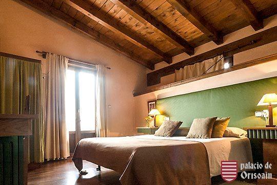 Disfruta de una escapada con encanto a Navarra en el hotel Palacio de Orisoain ¡Historia y naturaleza unidos!