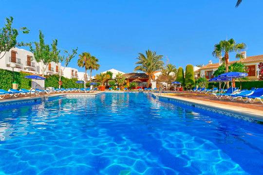 Disfruta de unas vacaciones de última hora en Almería, 5 o 7 noches en apartamento ¡A 4 minutos de la playa!