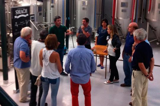 Visita a la fábrica de cerveza Smach y disfruta de cata ilimitada y tapeo ¡La nueva cerveza de Santander!