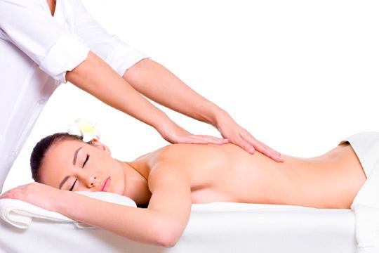 Alivia los dolores de espalda y la sensación de piernas cansadas con un masaje de 45 minutos en el centro Marcela Amado