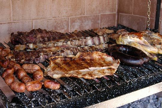 Montánte un plan ideal para el verano con un menú de parrillada de carne en Mendi-Alde Jatetxea