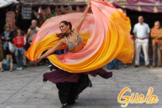 Talleres de Danza intensivo con 4 clases de baile a elegir entre diferentes disciplinas: danza del vientre, bailes latinos o Bollywood Kathak Style ¡Muévete!