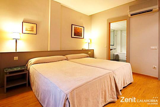 Elige entre 1 o 2 noches con desayuno + comida o cena en el hotel Zenit de Calahorra ¡Una escapada gastronómica a La Rioja!