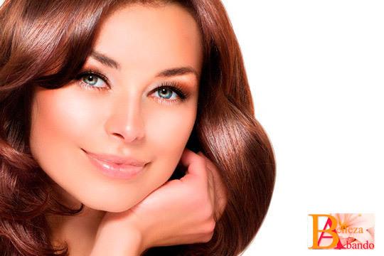 Cuida tu cutis y luce un rostro joven con un tratamiento facial que incluye limpieza y masaje kobido en Abando Belleza