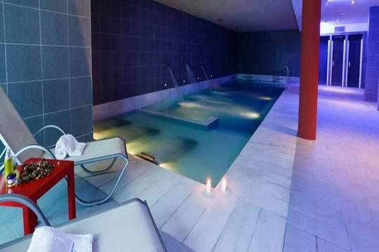 ¡Escapada relax en el Balneario de Areatza! De 1 o 2 noches con desayunos + Circuito termal ¡Con opción a cena o masaje y bañera de hidromasaje!