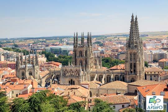 Descubre Burgos con una escapada al hotel Rey Arturo ¡incluye desayuno y parking!