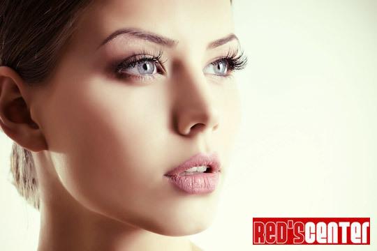 Realza tu belleza con un perfilado de cejas + tratamiento de contorno de ojos con colágeno y elastina + depilación de labio superior