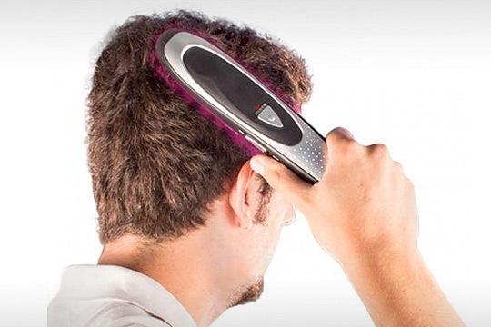 El cepillo masajeador anticaída utiliza láser y luz infrarroja para combatir la caída del cabello y fortalecerlo ¡Incluye kit de viaje con tijeras, espejo y peine!