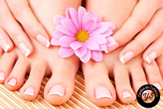 Este verano puedes lucir unas manos y unos pies bonitos y cuidados con la pedicura y manicura permanente de Yunia Sauquet Estilistas
