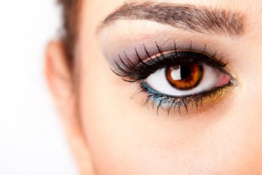 Consigue una mirada espectacular gracias a una sesión de estética con diseño de cejas + tinte de henna en Xtensium