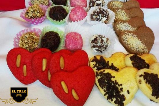 Muffins, trufas, pastas de té.... Degusta 31 deliciosas piezas de pastelería en la Pastelería El Talo ¡Perfecto para las celebraciones!