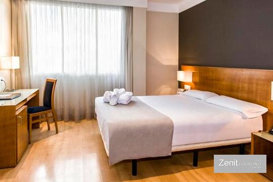 ¡Escapada a Logroño! 1 noche con desayuno bufé y comida en Hotel Zenit + visita a bodega + menú de autor