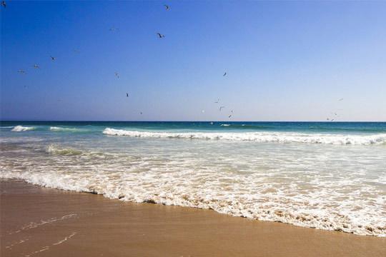 Disfruta en verano de 7 noches con desayunos en el hotel Praia Mar en Carcavelos ¡A la playa en Portugal!