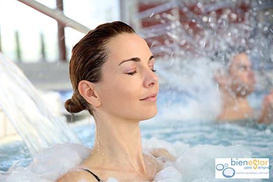 ¡Relájate mientras te ponen guapa! Circuito termal + Tratamiento anticelulítico o reafirmante en el Balneario Bienestar