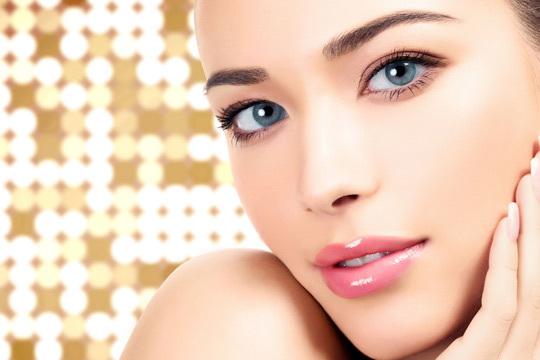 Este tratamiento de última generación ayuda a reducir las arrugas, nutre y aporta luminosidad a tu piel ¡Siéntete más joven y bella!