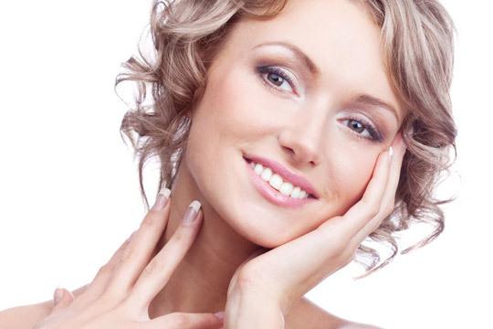 Elimina arrugas, manchas y acné con una sesión de peeling médico facial en el Centro de Medicina Integral ¡Piel más joven!