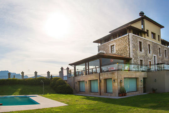 Disfruta de todo el encanto de Asturias con una escapada de 1 o 2 noches al Hotel Villadesella*** ¡En un entorno único!