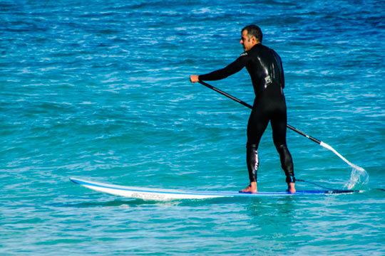 Disfruta de uno de los deportes más divertidos de este verano, el paddle surf ¡2 horas de paseo por los maravillosos paisajes de la Reserva de Urdaibai!