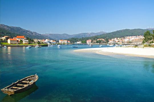 Disfruta de la belleza de la costa de Galicia con una estancia de 7 noches + desayunos en Sanxenxo