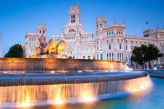 Descubre Madrid, Toledo y Segovia en un increíble circuito que realizarás en el puente de San Pedro ¡Con salida desde Burgos!