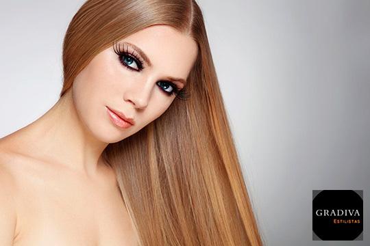 ¡Se acabó el encrespamiento! En Gradiva Estilistas te ofrecen dos tratamientos alisadores para presumir de cabello liso