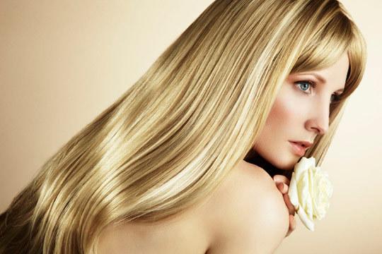 Consigue un cabello más liso con un tratamiento con keratina, un alisado francés o uno japonés ¡Elige el que mejor se adapte a tus necesidades!