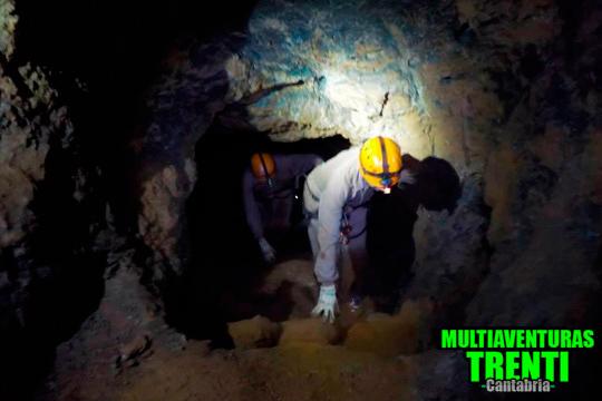 Explora el mundo subterráneo de Cantabria durante 2 horas ¡Además incluye reportaje fotográfico!