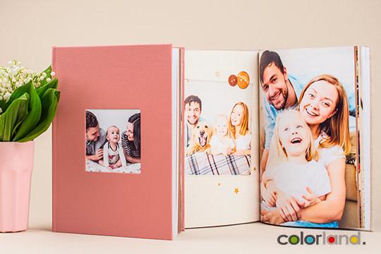 Sorprende con este regalo a familiares y amigos para que tengan un bonito recuerdo ¡Un fotolibro Premium!