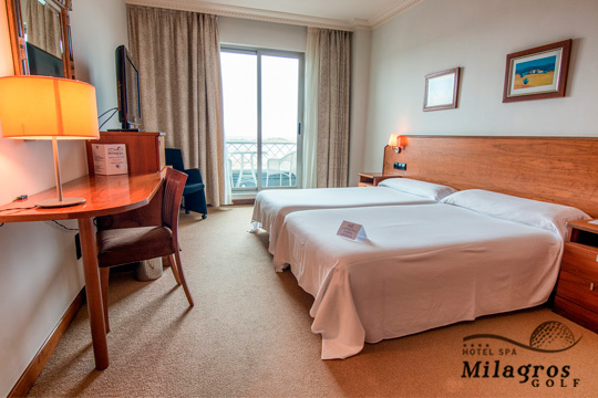¡El relax te espera en Cantabria! Noche con desayuno + Spa + minibar en el hotel Milagros Golf 4*