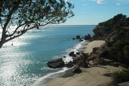 Disfruta de una Semana Santa al sol de la costa de Tarragona con 4 noches de alojamiento para 4 personas en los Adosados el Pinar, en Miami Playa