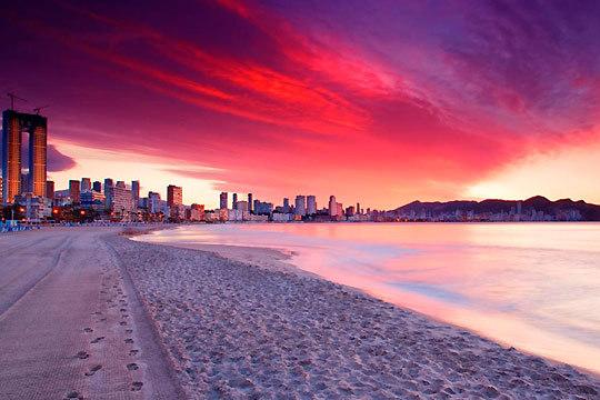 Disfruta este verano de la playa y el buen tiempo en Benidorm ¡7 noches en pensión completa en el hotel Rambla, Mayna, Blue Sea Calas o Antea Sol y Sombra!