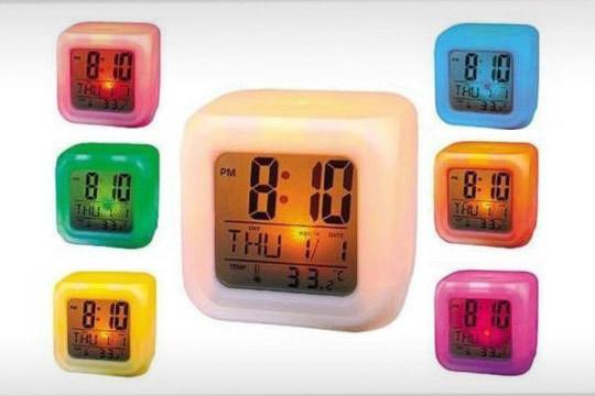 Reloj despertador led 7 colores cambiantes