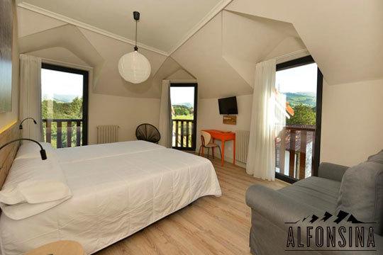 Escapada a Cantabria en el Hotel La Alfonsina con opción a cena en el Restaurante Las piscinas ¡Descubre la belleza y tranquilidad de los valles pasiegos!