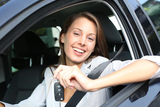 Sácate el carné de conducir B con matrícula, teoría, 5 clases prácticas y más en Autoescuela Dam