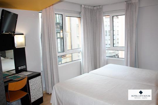 Escapada de 1 o 2 noches con desayunos en el hotel Pathos, en el casco antiguo de Gijón