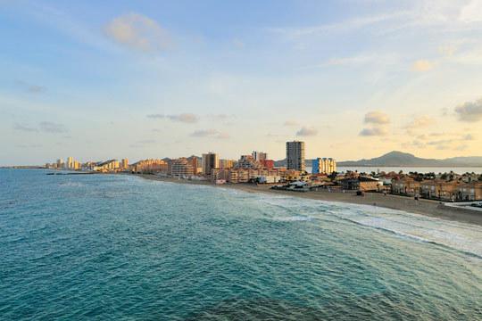 Disfruta de unas vacaciones en los apartamentos Monteblanco de La Manga del Mar Menor ¡7 noches junto al mar!