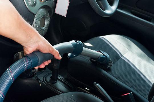 Mantén tu coche impoluto con una limpieza de tapicería en Biscay Factory Garage ¡Si la prefieres en profundidad, complétala con una higienización!