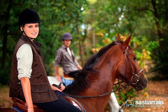 4 días de campamento de equitación en Sastarrain ¡Para que tus hijos disfruten,aprendan y hagan deporte!