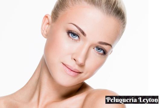 1 o 3 sesiones de tratamiento facial con dermoabrasión de punta de diamante para combatir arrugas, manchas y secuelas de acné en Leyton ¡Cara perfecta!