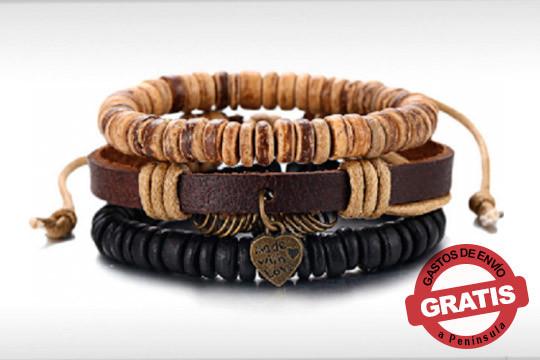 Pulsera 'Made with love' realizada en madera y cuero ¡El complemento perfecto para tus looks más informales!