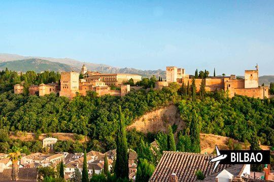 ¡Disfruta de la Alhambra en abril! 3 noches con desayunos en Granada y vuelo desde Bilbao