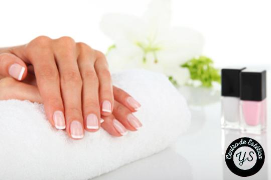 ¡Presume de uñas bonitas y cuidadas en Yunia Sauquet Estilistas! Uñas de gel o porcelana con esmalte permanente
