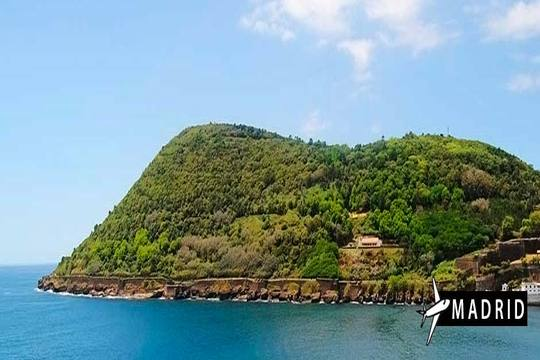 En mayo visita un rincón privilegiado de las Azores, Terceira, con vuelo desde Madrid + 7 noches con desayunos ¡Te enamorará!