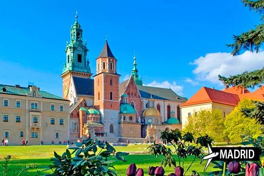 Descubre las ciudades más importantes de Polonia ¡Vuelo de Madrid + 3 noches con desayuno en Varsovia + 4 noches con desayuno en Cracovia!