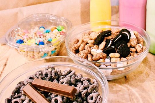 Regálate una original merienda, desayuno o cena de riquísimos y originales cereales y leche ¡En Let's Cereal de Indautxu!