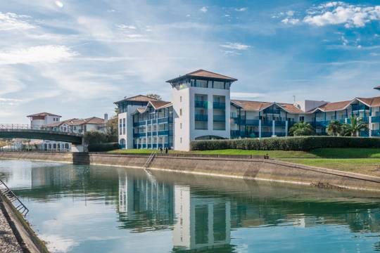 En el puente de octubre disfruta de una escapada a Urrugne con 2 noches en estudio o apartamento Mer et Golf Fort Socoa ¡Para 4 personas!