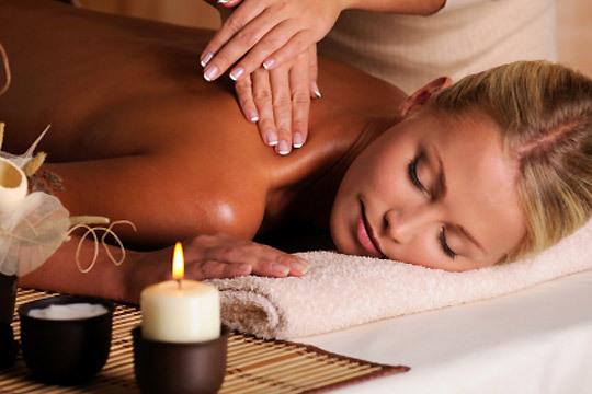 Relax total en el centro Relaja Te con un masaje deportivo, relajante o combinado acompañado de musicoterapia ¡Bienestar de los pies a la cabeza!