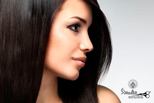 Acércate a Xhuar Estilistas para lucir una melena lisa ¡Con un tratamiento de cabello alisador con keratina a elegir entre temporal o definitivo!