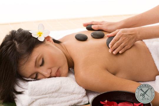 Relájate en el centro América con 1 o 3 masajes corporales con piedras volcánicas y aromaterapia