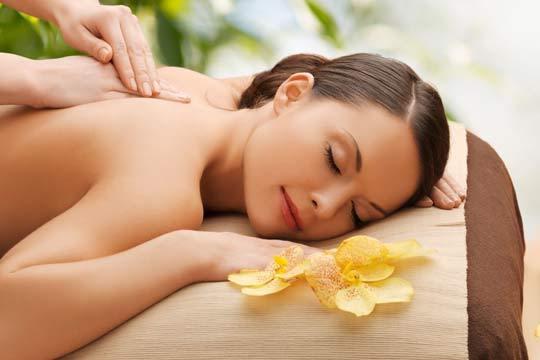 Descubre el auténtico bienestar con 3 o 5 masajes en Josune Estética y Masajes ¡Elige entre relajante, reductor, drenante o para piernas cansadas!